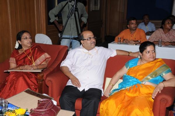 Dr Prema Shanker,  Ayurvedacharyas Dr Sunil Joshi, Dr Shalmali Joshi.